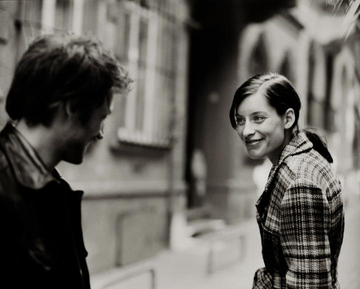 http://datingadvicefromagirl.com/wordpress/wp-content/uploads/2008/12/smiling-at-strangers.jpg